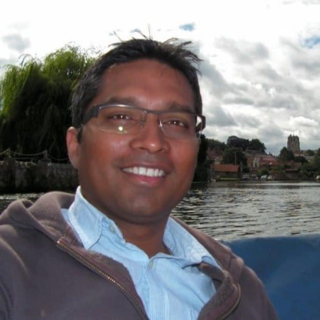 Dr Ari Sadanandom